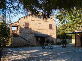 Country House for sale in Potenza Picena, Macerata...