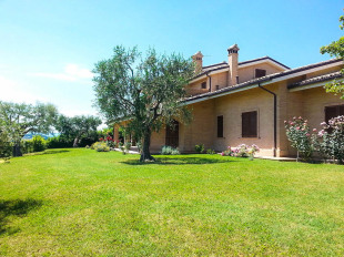 3 bed Villa for sale in Le Marche, Macerata...