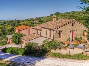 Country House in Cupramontana, Ancona...