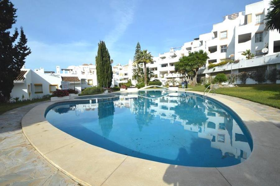 2 bedroom Apartment for sale in Benalmadena, Málaga