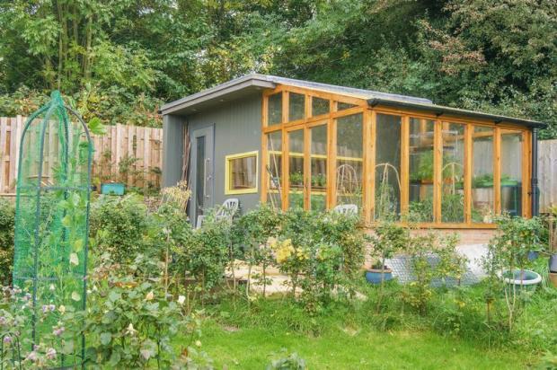 Garden office/...