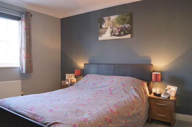 Bedroom 1 furt...