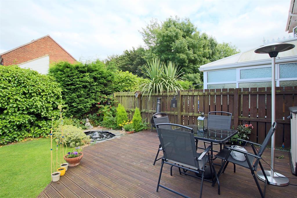 Rear Garden Image 2