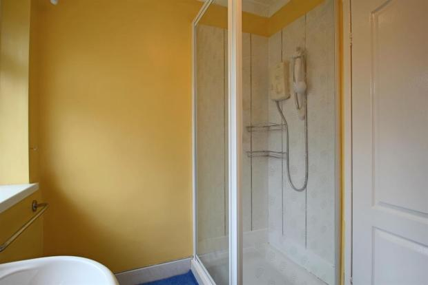 Shower Room Image 2