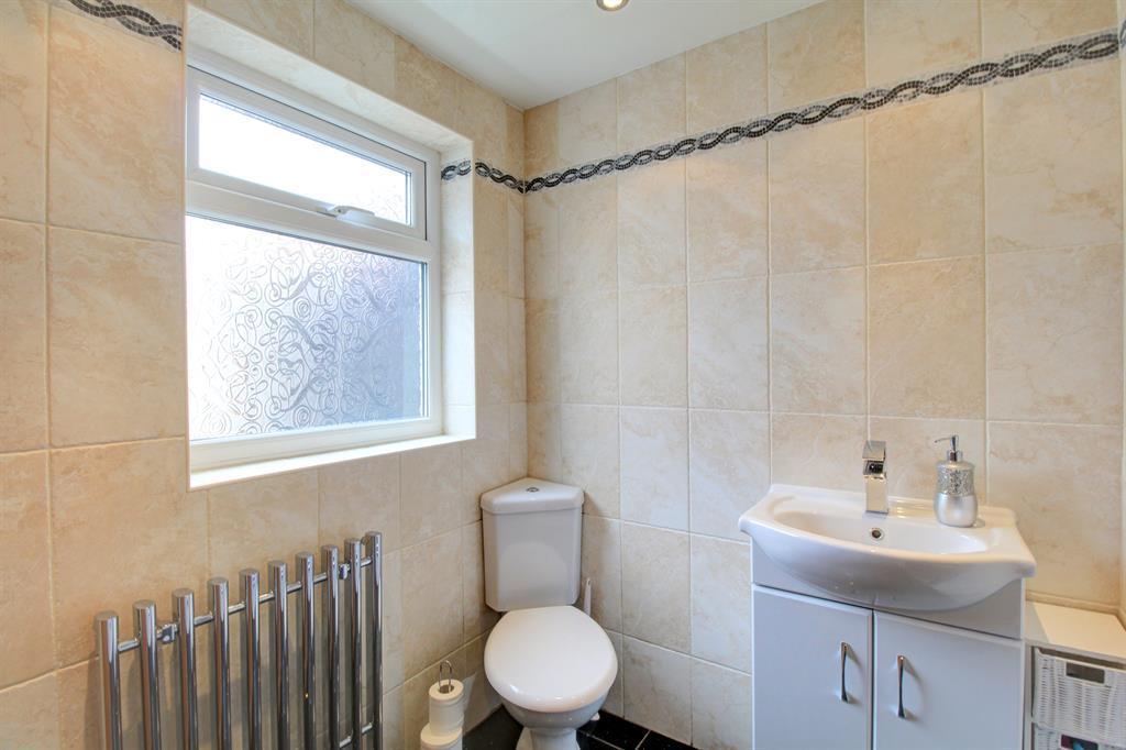 Shower Room Image 2