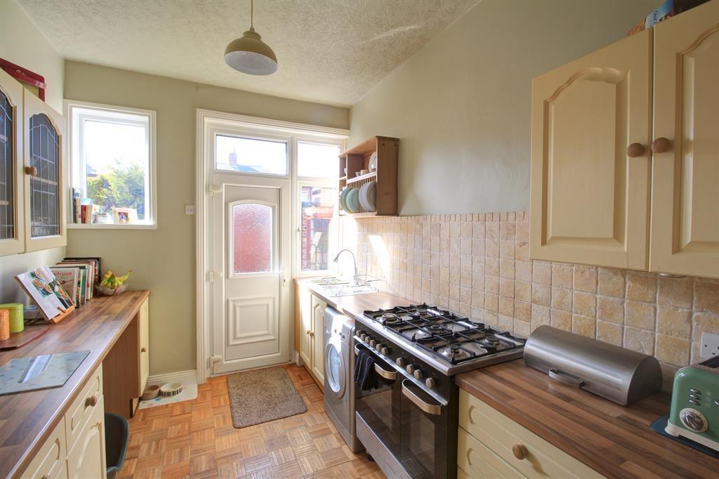Kitchen Image 2