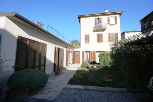 Lombardy property for sale