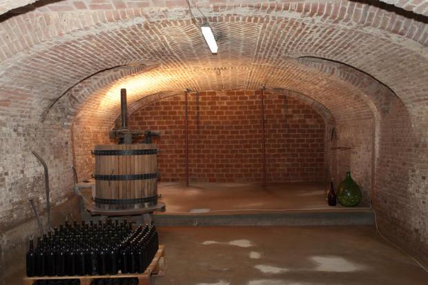 Wine cantina