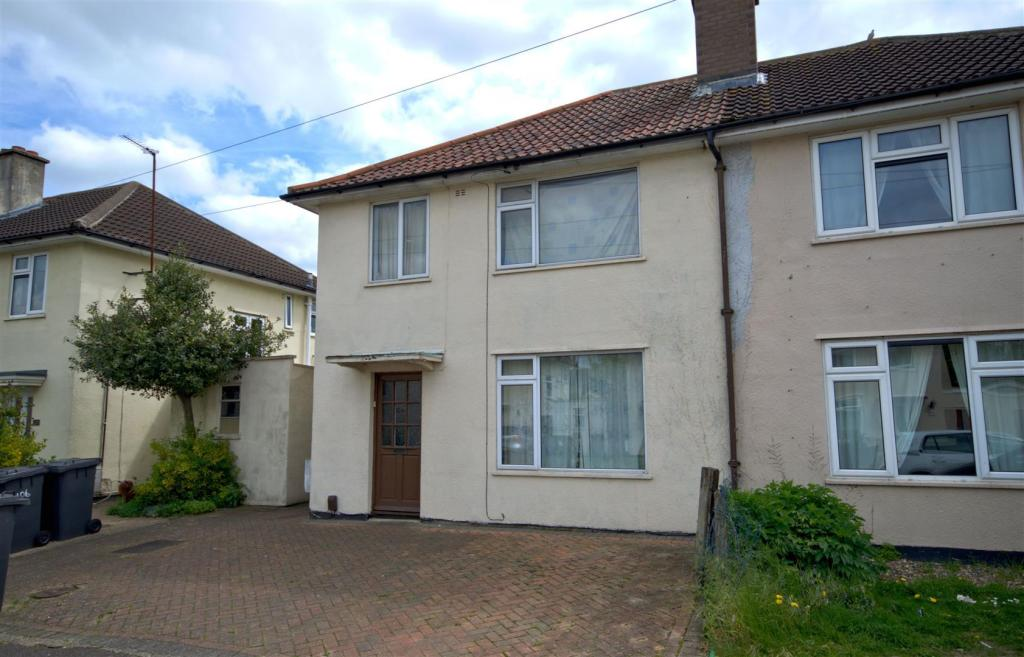 3 Bedroom Semi Detached House For Sale In Peverel Road Cambridge Cb5