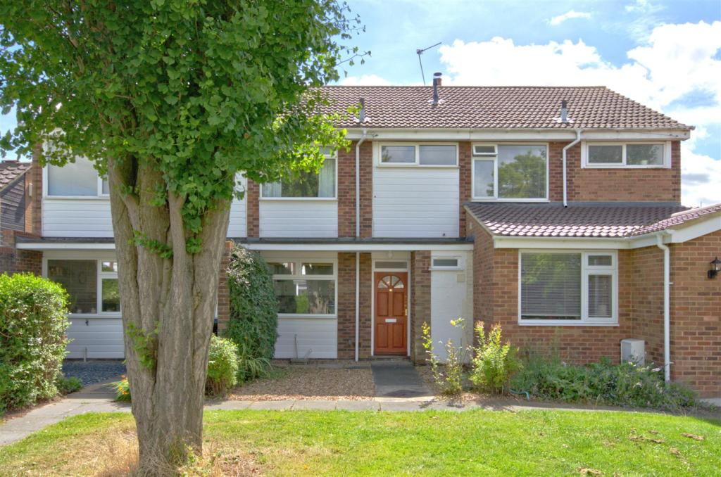 3 Bedroom Terraced House For Sale In Exeter Close Trumpington Cambridge Cb2