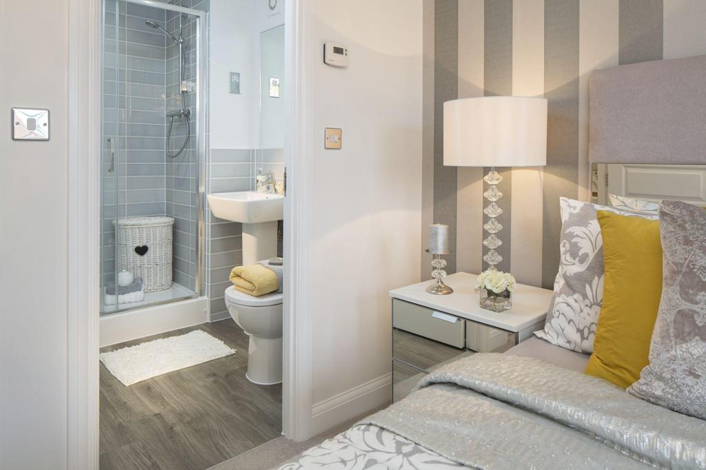 Typical Rochester master bedroom with en suite
