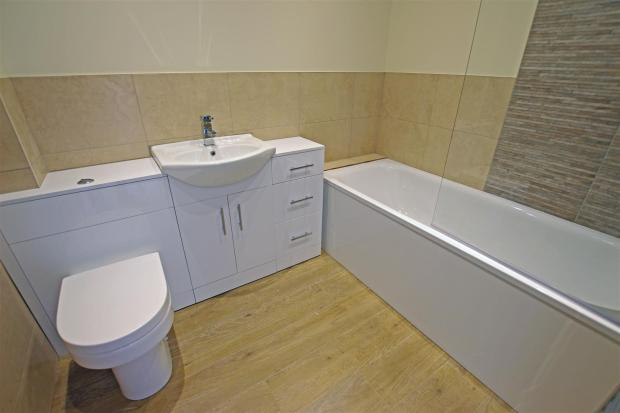 bflat4 bathroom.jpg