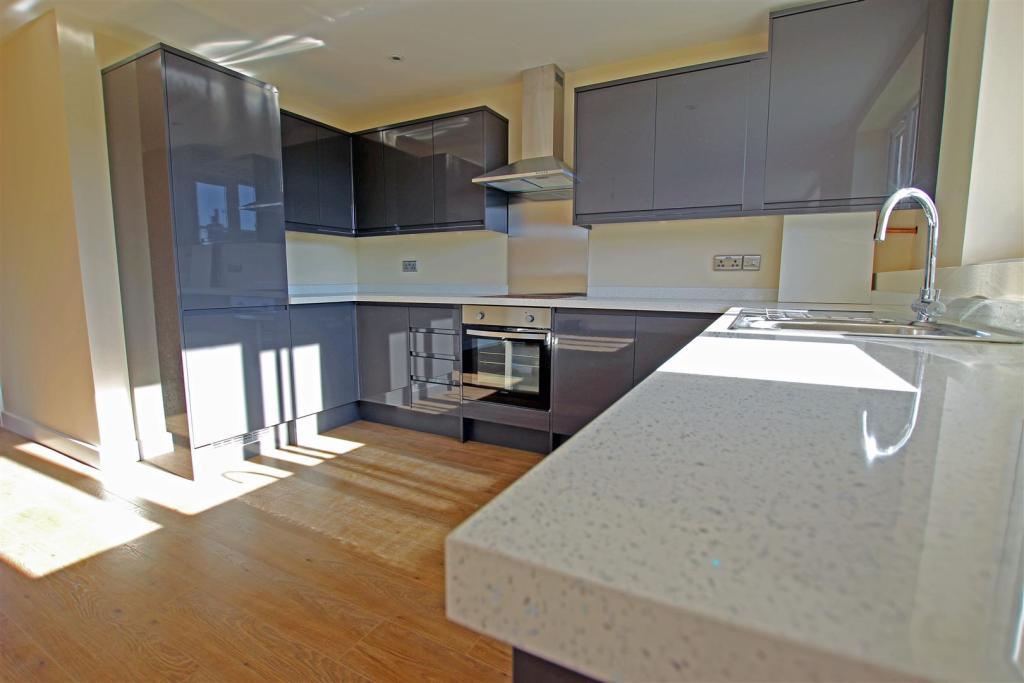 flat4 kitchen.jpg