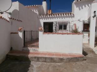 Terraced house in Andalusia, Almería, Oria