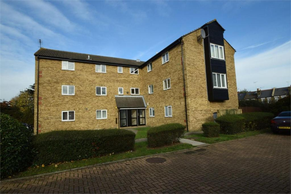 2 Bedroom Flat To Rent In New Ash Close East Finchley London N2