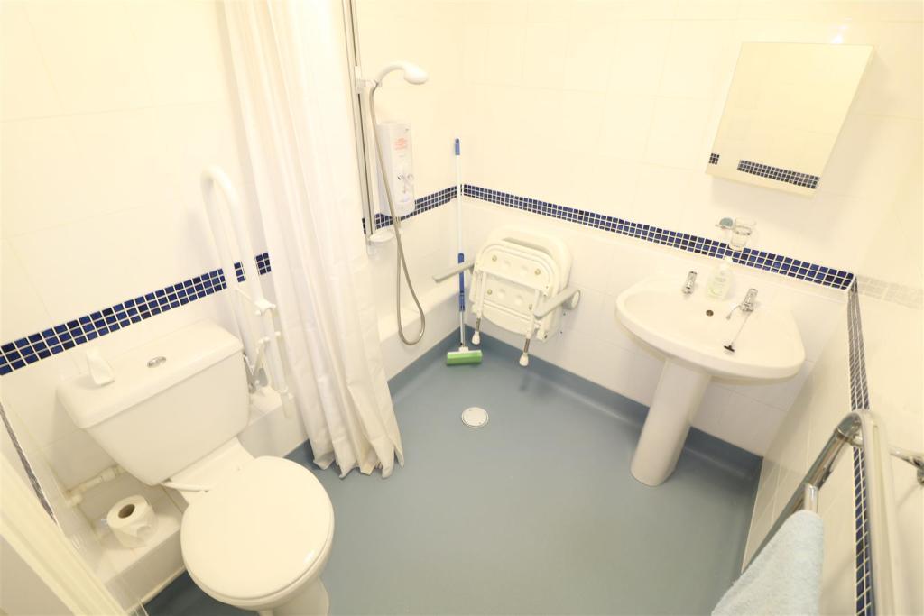 Modern Wet Room/W.C