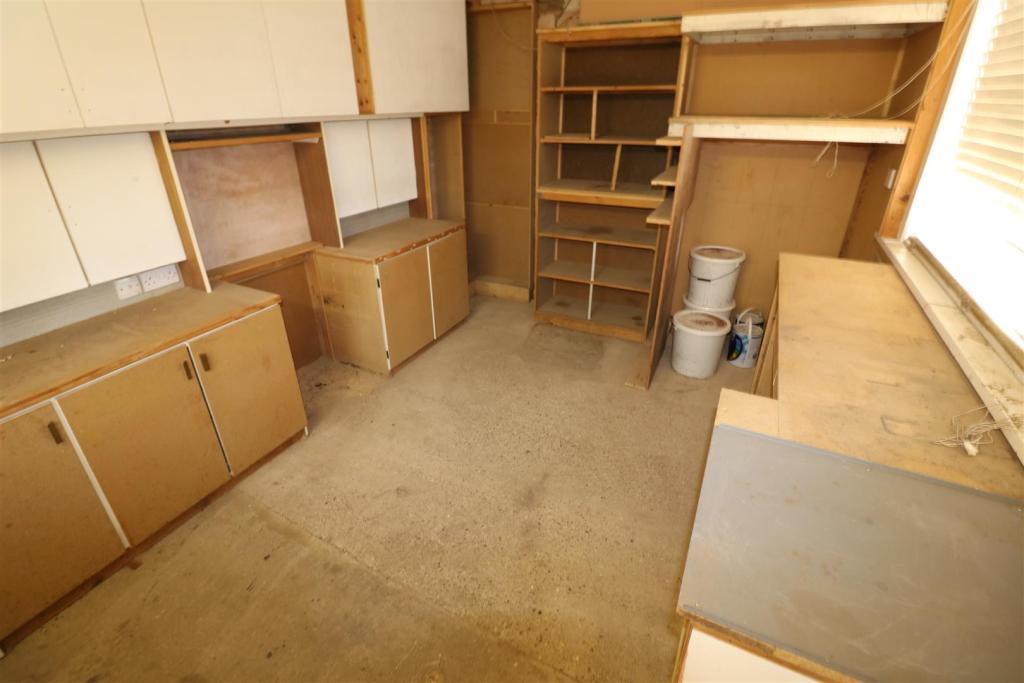 Workshop/ Office
