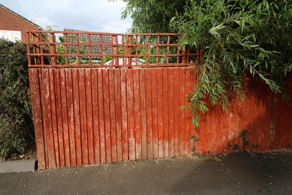 Gates to Rear Garden