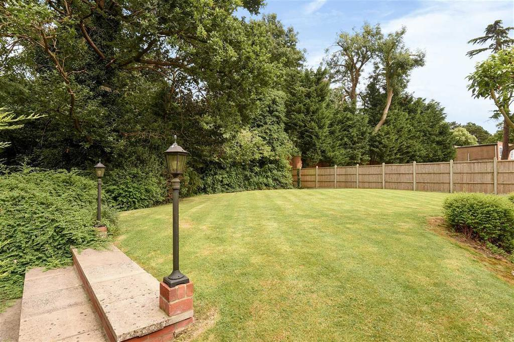 4 Bedroom Detached House For Sale In Ingleby Drive Harrow On The Hill Harrow Ha1 3le Ha1