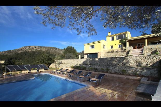 villa and pool (1)