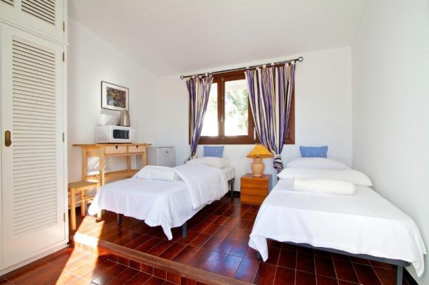 twin bedroom indepen