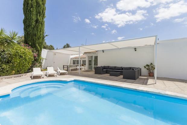 Pool and porche