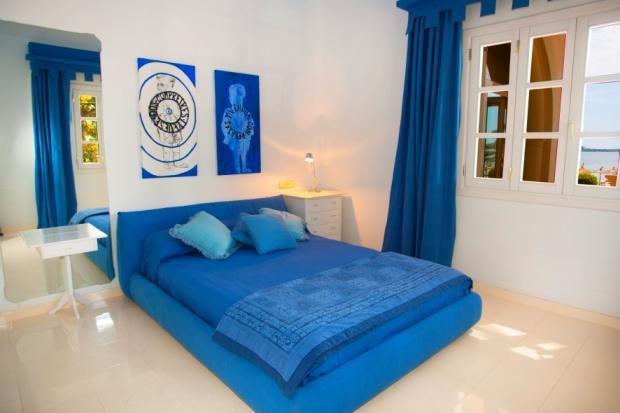 Bedroom with Sea Vie