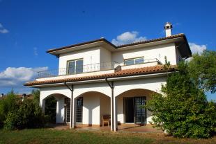 Villa for sale in Lazio, Viterbo...