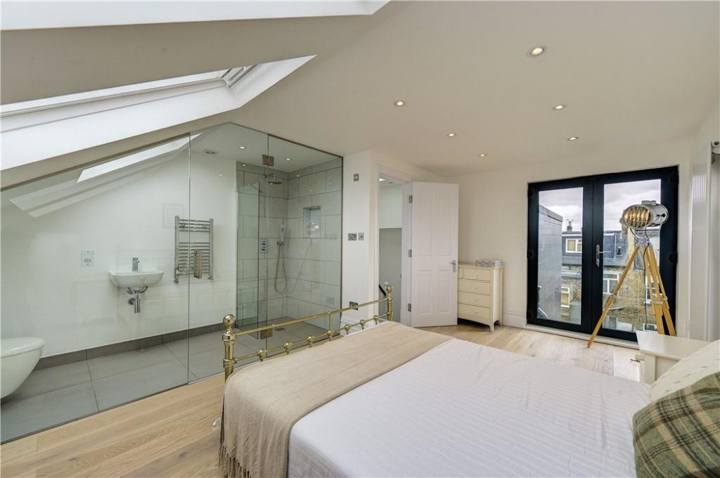 Master Bedroom: Nw10