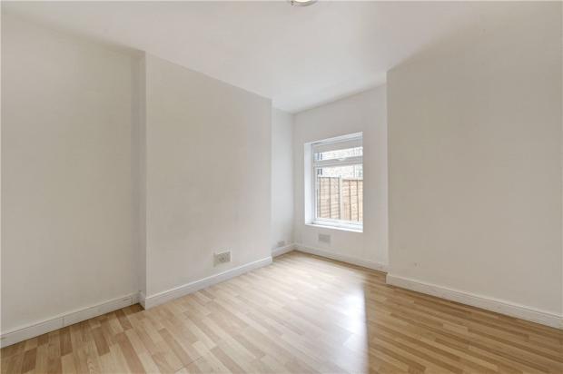 Bedroom: Queens Park