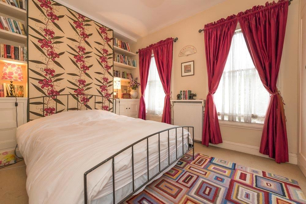 Bedroom : W10