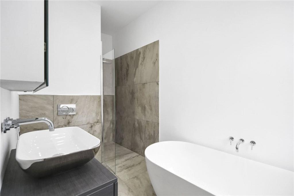 Bathroom : Nw10
