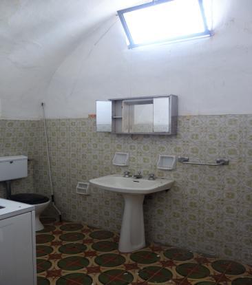 2nd unit bathroom