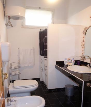 2. bathroom 1