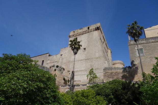 View garden & castle