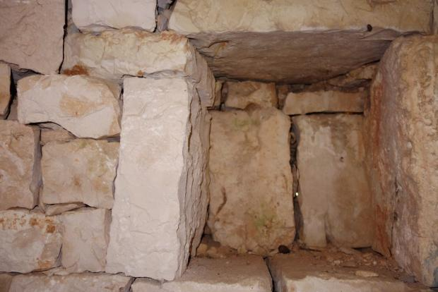 Wall niche 2