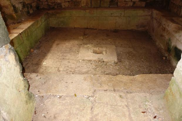Wine storage cistern