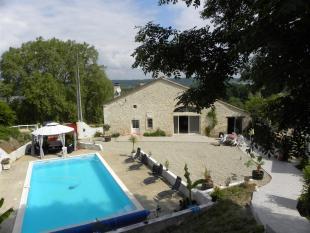 4 bedroom Character Property in Ste-Foy-la-Grande...