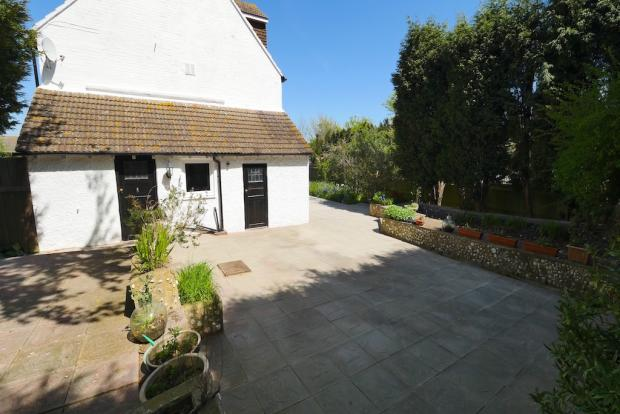 4 Bedroom Detached House For Sale In Ninfield Road