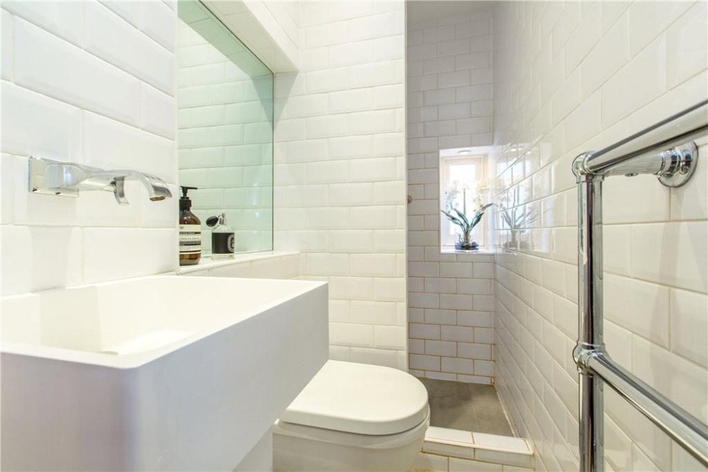 Nw1: Bathroom