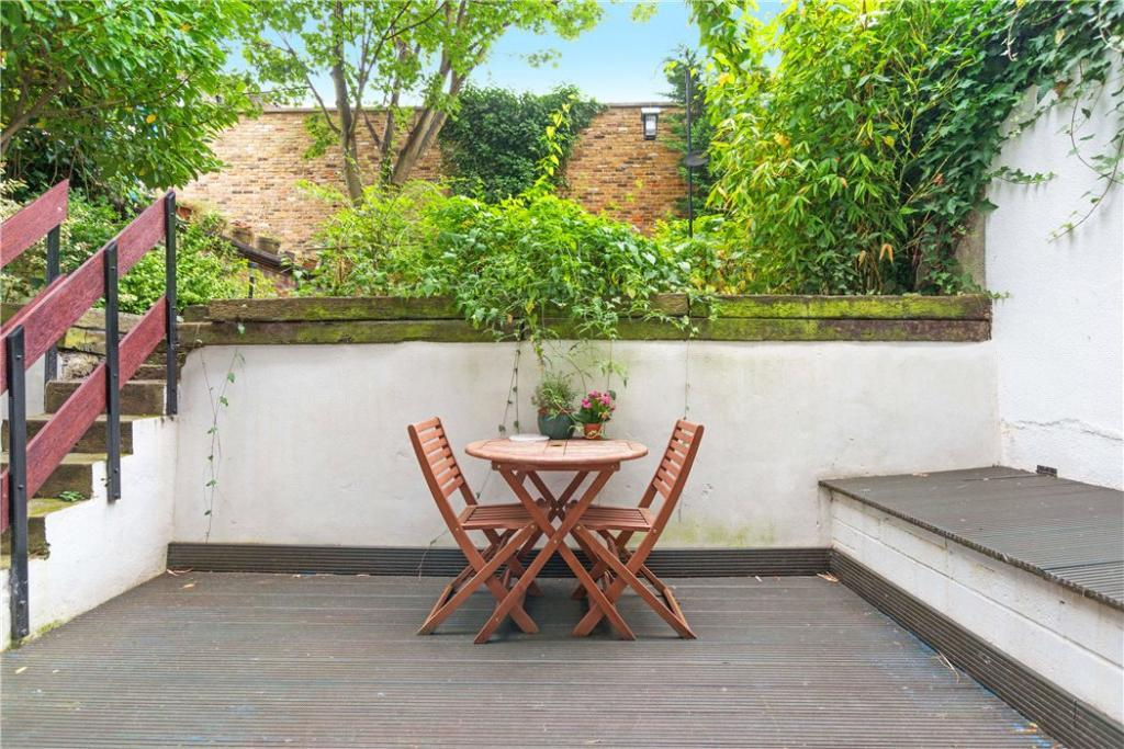 Nw3: Private Patio