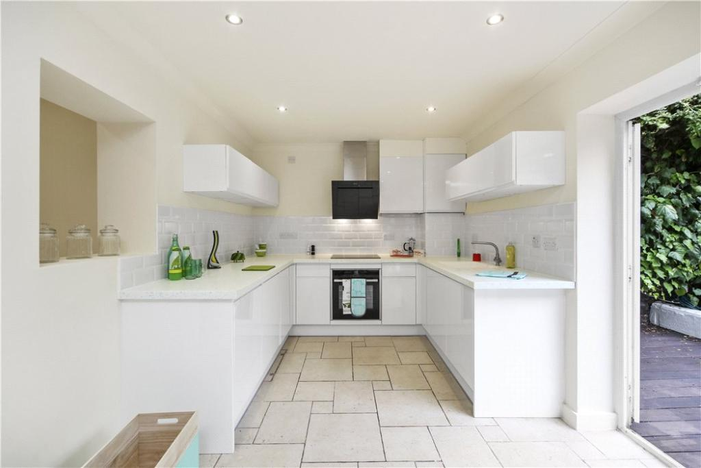 Nw1: Kitchen