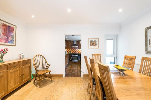 Nw3: Dining Room