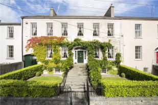 4 bed Terraced house for sale in 11 Oxmantown Mall, Birr...