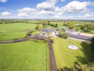 4 bed Detached house in Darnley House, Clonard...