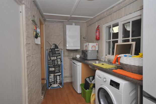 UTILITY ROOM/STORE R