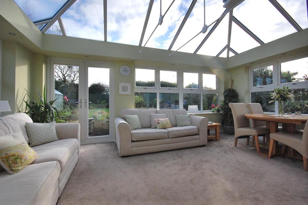 Lounge/Sun Room