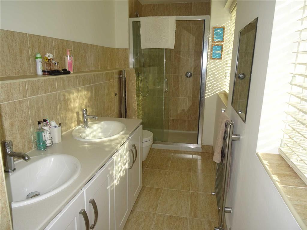 REFURBISHED EN-SUITE