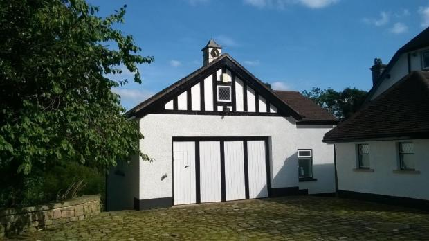 COACH HOUSE/GARAGE