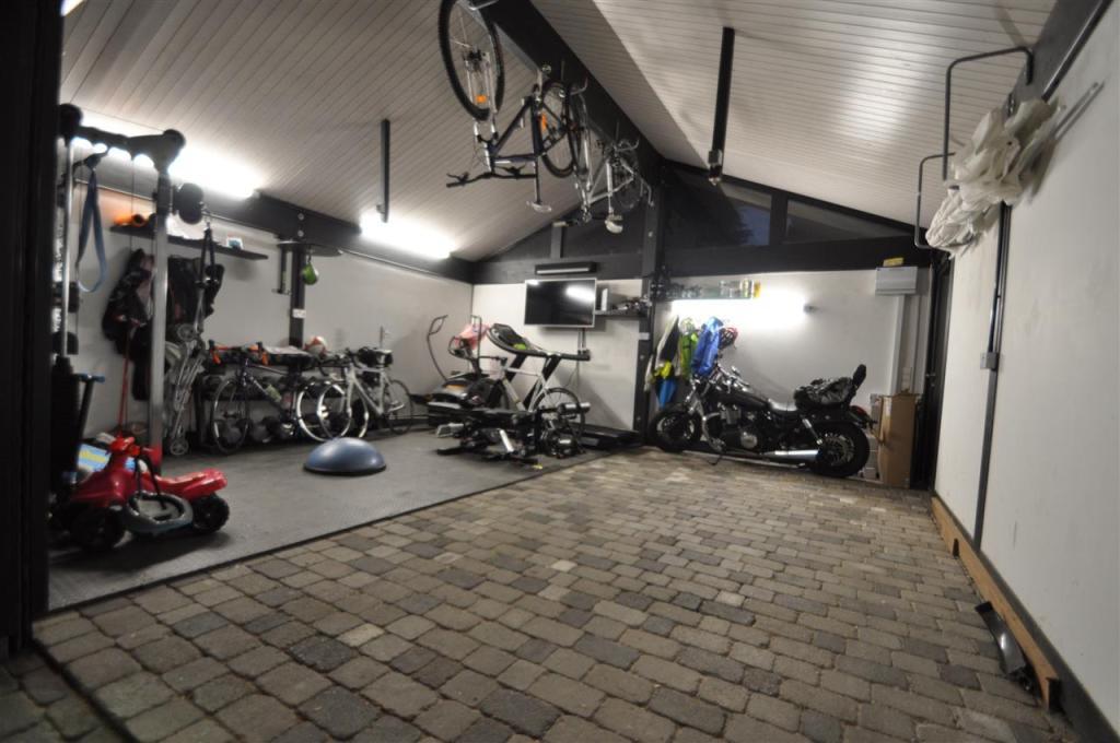 Garage / Gym